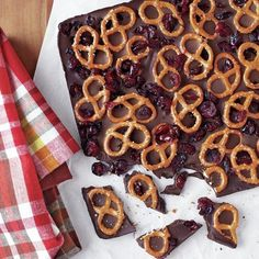 Dark Chocolate Bark with Pretzels and Dried Cranberries #recipe