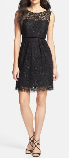 Dainty and elegant sleeveless lace dress