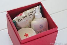 Sugar cookie mix, sprinkles jar and cookie icing. Great little Christmas gift!!