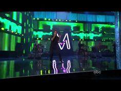 Maroon 5 ft. Christina Aguilera - Moves Like Jagger (Live at the American Music Awards 2011)