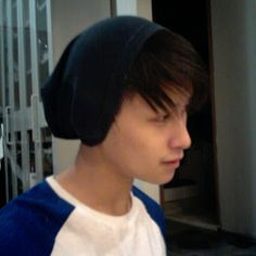 This and that from DANNCHU: DIY : Slouch beanie with old clothes