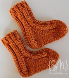 Free knit sock pattern: Tootsie Roll Baby Socks