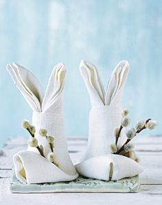 folded napkins for easter table