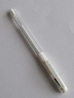 PCA WHITE GEL PEN 0.8mm      White Gel Pen from PCA 0.8mm.