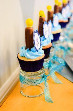 Cutest hannukah cupcakes