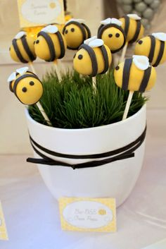 Cake pops at a Bumble bee party #bumblebee #partycakepops