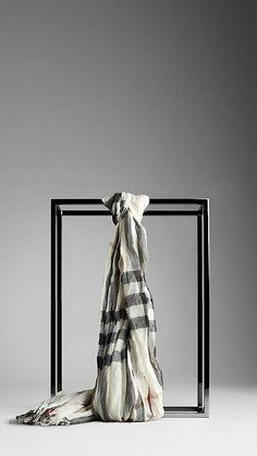 winter accessories, rope, burberry, burberri scarv, women accessories, belt, silk scarves, stripe, cashmere