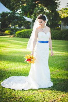 We're loving this bride's 'Something Blue'! It ads a touch of color to her destination wedding in Hawaii! {Genesa Richards Photography}