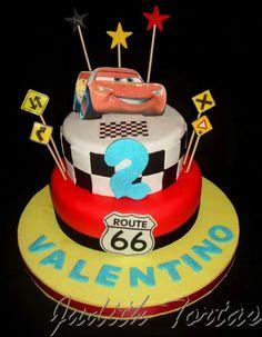 "Torta decorada con fondant ""Cars"""