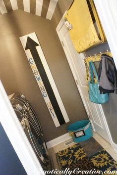 Love this laundry room reveal-some great ideas here!