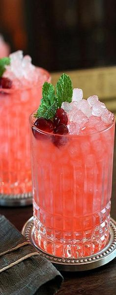 Cranberry Ginger Fizz Cocktail ♥✤ | KeepSmiling | BeStayBeautiful