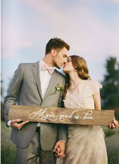 How To Design Your Rustic Vintage Wedding in Just a Few Minutes a Day from rusticweddingchic...