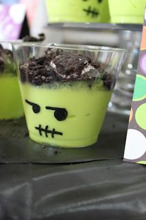 a little of this, a little of that: {Last Minute} Halloween Ideas!  +++ green pudding in clear plastic cup. Draw eyes/mouth on cup. Chocolate shavings or crushed oreos on top of the pudding for hair?
