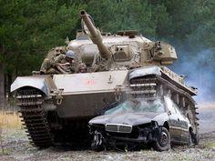 Empresa aluga tanque de guerrapara você descarregar as energias http://r7.com/XpRM