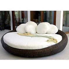 Salome Round Outdoor Wicker Day Bed