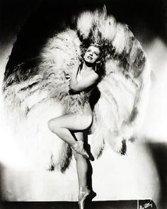 vintage burlesque | The Best Burlesque Costumes | A Vintage Burlesque Dancer ...