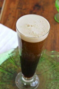 St. Patrick's Day #Recipe: The 2-Ingredient Black Velvet Cocktail