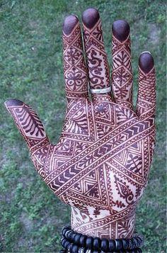 mehndi hand, books, henna designs, moroccan design, hennas, blog, pools, nomad heart henna, henna hands