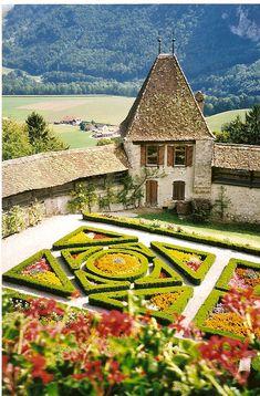 Les jardin du chateau de Gruyere (say cheese)