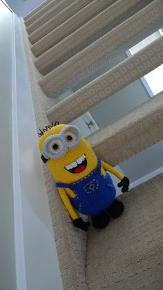 I would never actually be able to make this but I love the minions and would buy this thing if I could!