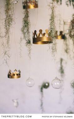 Hanging crowns, glass balls & greenery | Conceptualisation & Coordination: BonTon Events, Photographer: Stephanie Veldman, Styling, flowers and decor: Okasie