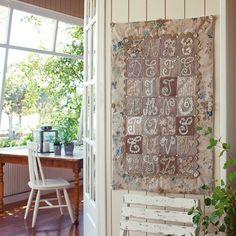 Un abécédaire en patchwork de dentelle // Alphabet, patchwork, lace