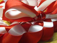...ribbon lei