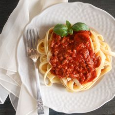 Fettuccine and meat sauce one of the most delicious Italian recipes / anitalianinmykitchen