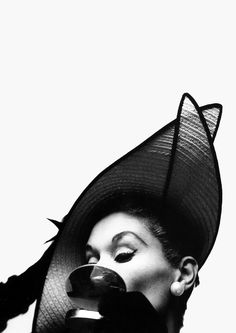 Lisa Fonssagrives, New York, 1949. Photo: Irving Penn. vintag, hats, vogue fashion, 1949, lisa fonssagrivespenn, irving penn, fashion photography, irv penn, photographi