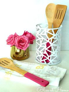 DIY Paint Dipped Utensils with #marthastewart craft paint and inspired by world market - so adorable!