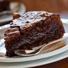 Hot fudge cake #chocolates #chocolaterecipes #sweet #delicious #yummy #food #choco #chocolate