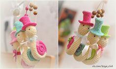 Snail with Hat Amigurumi - Free Russian Pattern  http://lesya-blog.blogspot.ru/2013/04/blog-post_15.html
