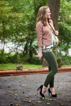 Work it: Workin' matching green - Maternity Style