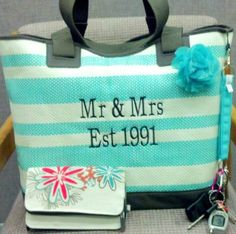 Thirty-One Gifts -  Euro Straw Tote! So SUPER cute for an Anniversary or Wedding AMAZING Gift. #ThirtyOneGifts #ThirtyOne #Personalization #BeachTote #HappilyEverAfter