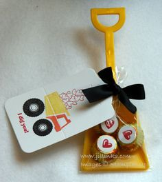Stampin Up! Great idea for a valentine party goodie bag!!!