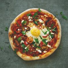 Shakshuka Pizza | 18 Breakfast Pizzas That Want To Wake Up Next To You
