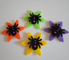 Halloween Felt Spider Embellishments.Halloween hair pin  #halloween #pin ww.loveitsomuch.com