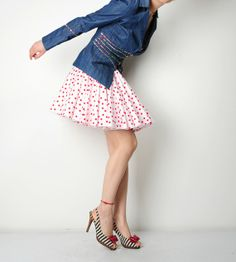 Everything about this look is GREAT ... polka dots!!!