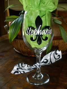 Personalized Wine Glass vinyl Fleur de lis