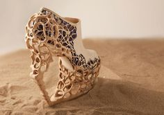 THIS SHOE HERE IS CRAZZZZY sand, fashion, crazy shoes, bone, heel, wedg, pump, platform shoes, dutch design