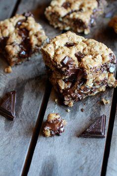 Healthy Dark Chocolate Chunk Oatmeal Cookie Bars (Idiot Proof) by halfbakedharvest #Cookies #Bars #Oatmeal #Chocolate #Healthy