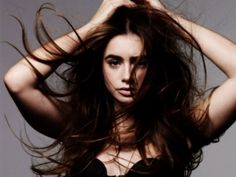 Lily Collins hd wallpaper (click to view)