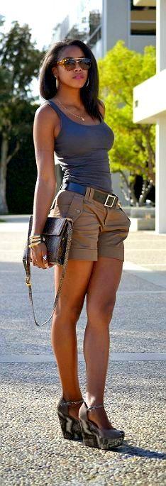 Khaki shorts and tank, nice wedges shoes !