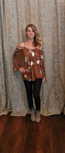 Falling Flowers knit top. Love all the fall colors in this top;)  https://www.facebook.com/apricotlanezonarosa