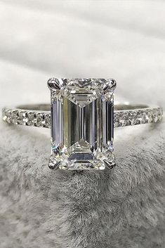 Bargain offers for vintage engagement rings... #vintageengagementrings