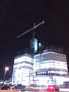 Even on a cold winter night, this Boston crane is smokin' hot!