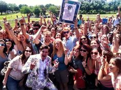 """Fun ways to be involved :: USF breaks Guinness World Record with """"The Buried Life"""" GO BULLS !"""