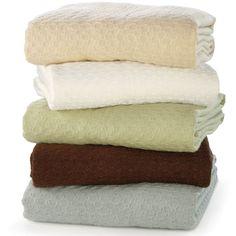 The Temperature Regulating Blanket - Hammacher Schlemmer