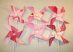 Valentine Pinwheels. Valentines Days Ideas #Valentines, #pinsland, https://apps.facebook.com/yangutu