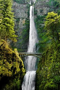 Multnomah Falls - Columbia River Gorge - Oregon. Clearly we need to get to the West Coast.